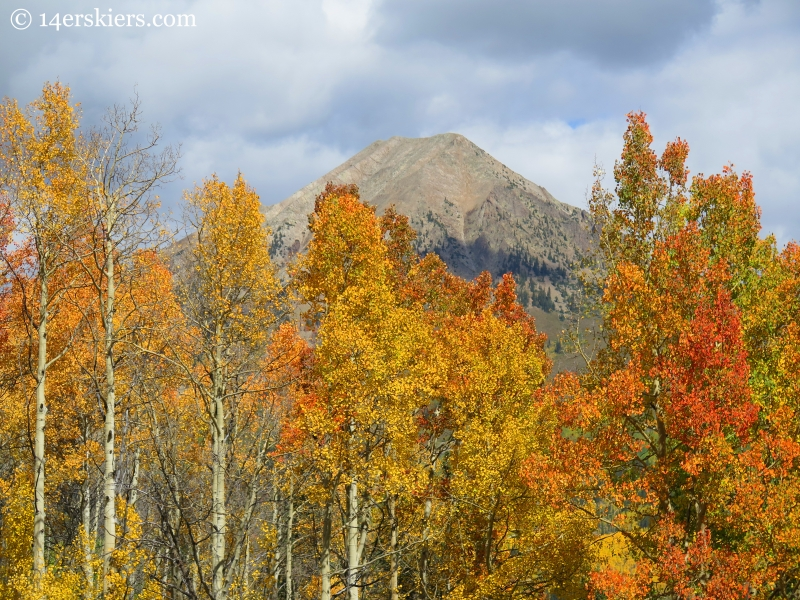 fall colors and Gothic Mountain on Meridian Lake hike