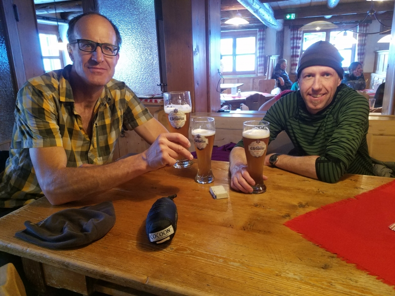 beer at heidelberger hut
