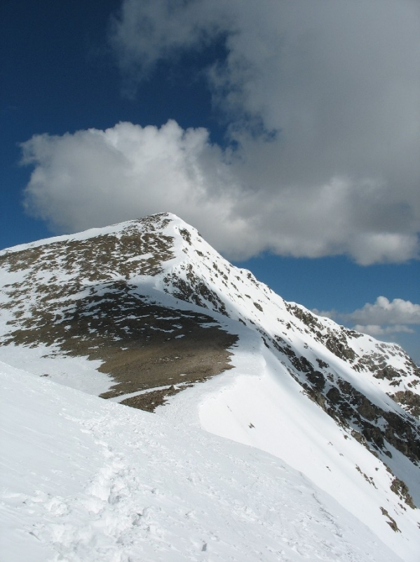 Ridge to the summit of Torreys Peak, backcountry skiing in Colorado
