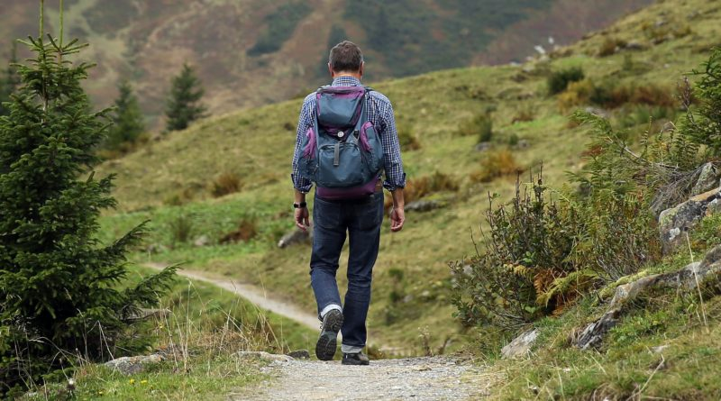 Top 5 Gadgets for Long Hikes